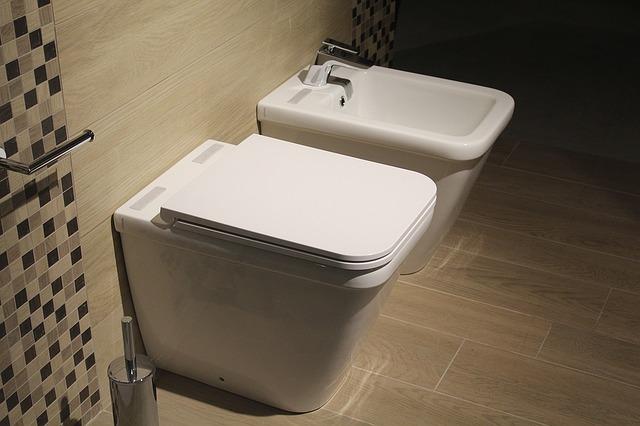jakie płytki do łazienki