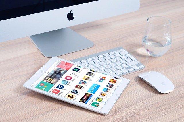 macbook w domu